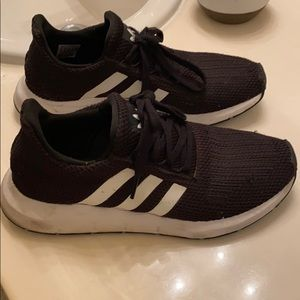 Adidas Athletic Running Shoes Swift Runs